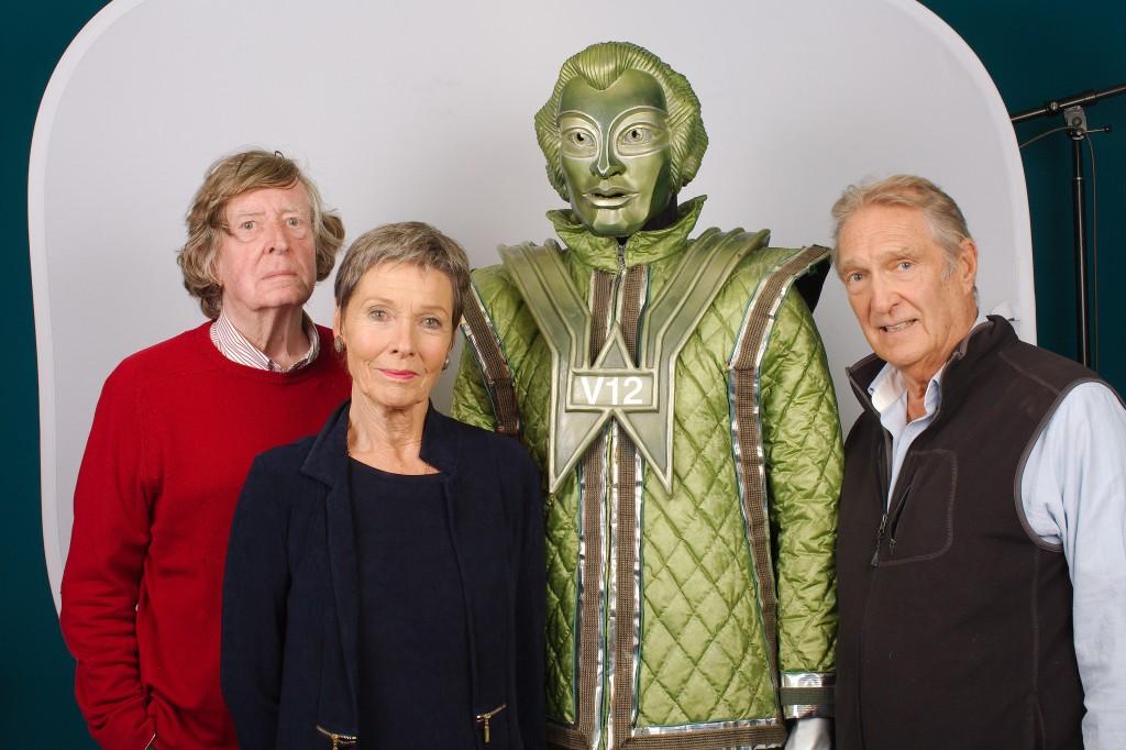 David Collings, Pamela Salem, V12, Gregory De Polnay